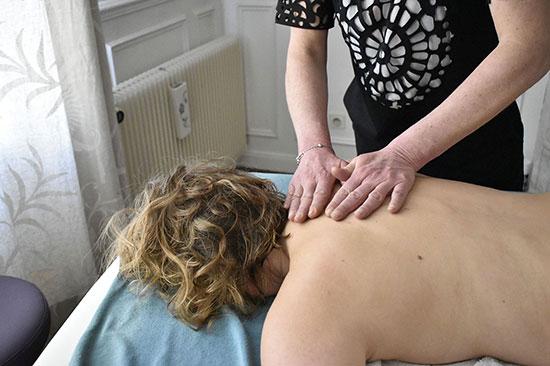les-sens-de-nelumbo-massage-dos4