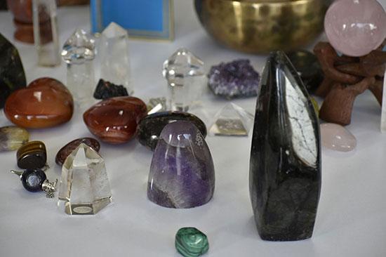 les-sens-de-nelumbo-pierres-ensemble